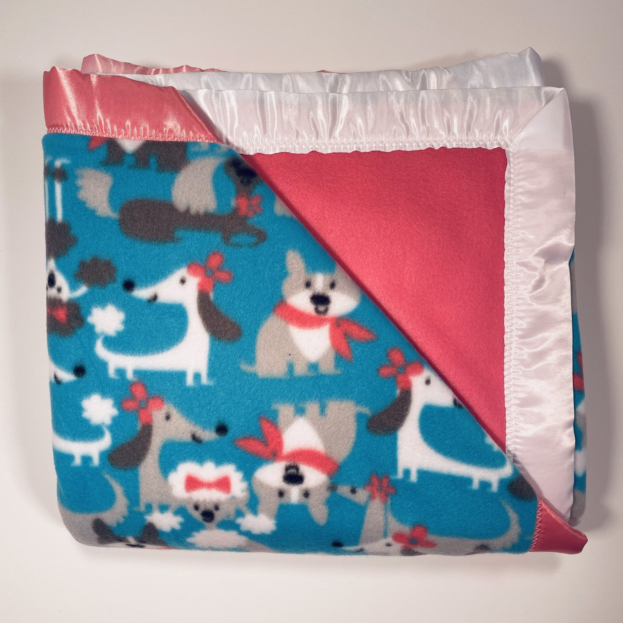 BLKT-FL-DOGS-BLUE-SOLID-PINK-PINK
